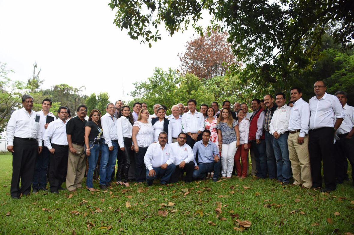 Hector Yunes Landa  encuentro con arquitectos  Coatepec  03-05-2016-03