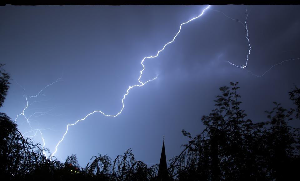 lightning-199651 960 720