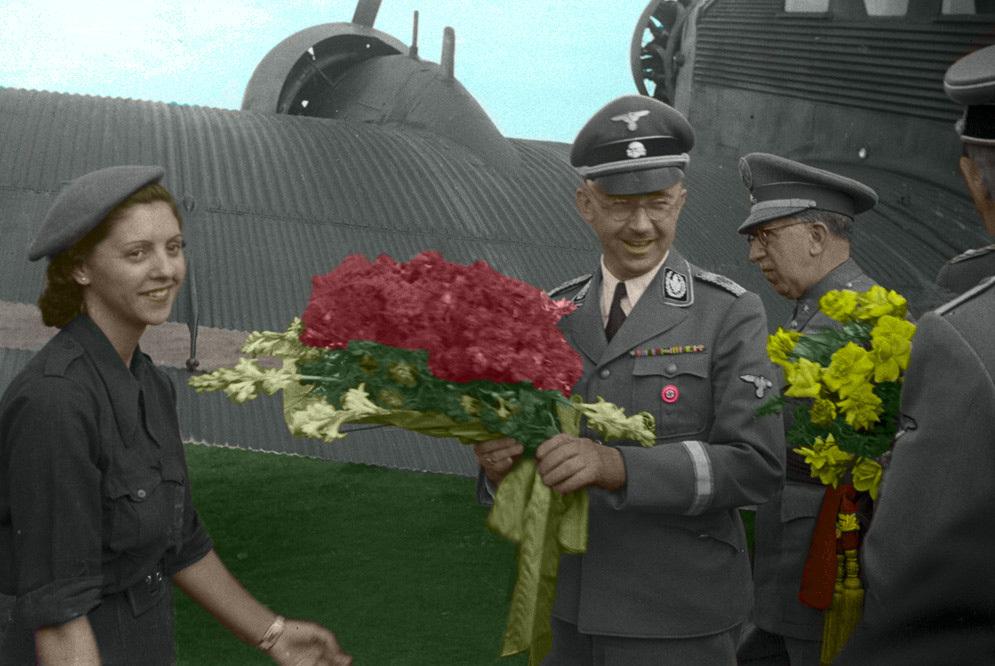 joven recibe Himmler Prat