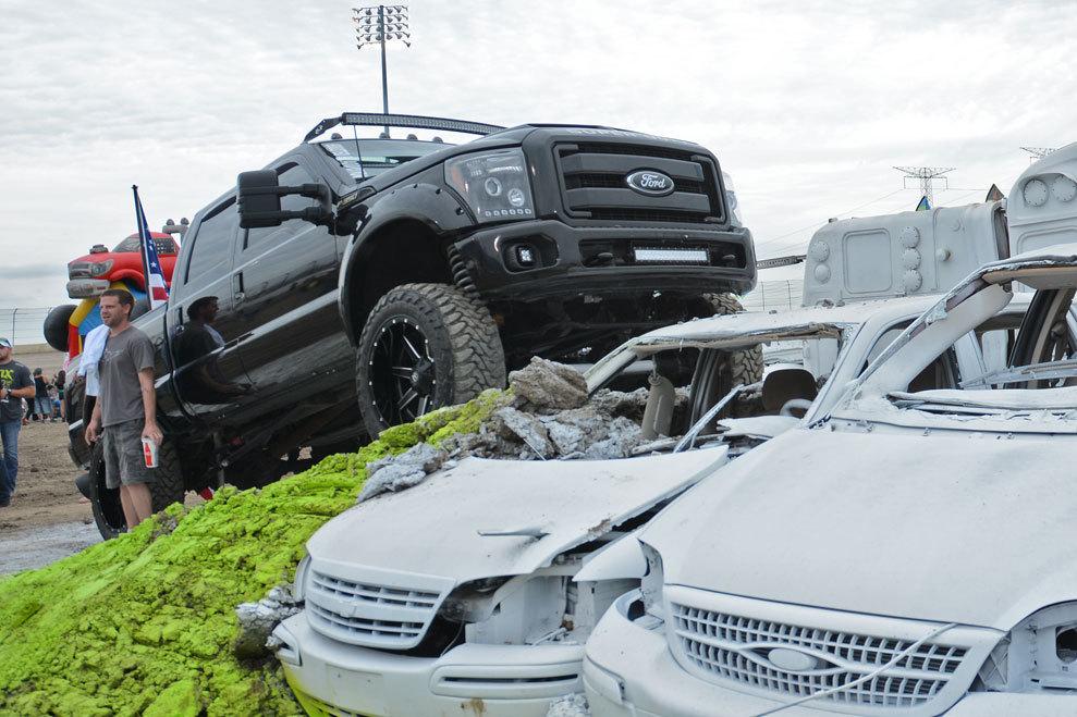 Truck-display-black