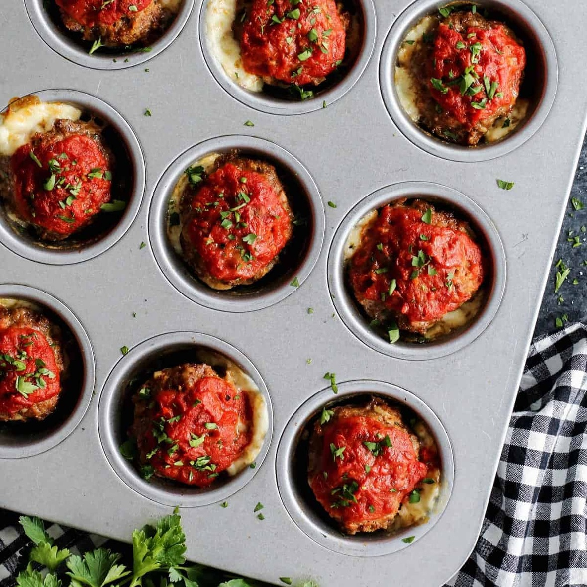 cheesy-italian-meatloaf-muffins AFarmgirlsDabbles AFD-4-sq