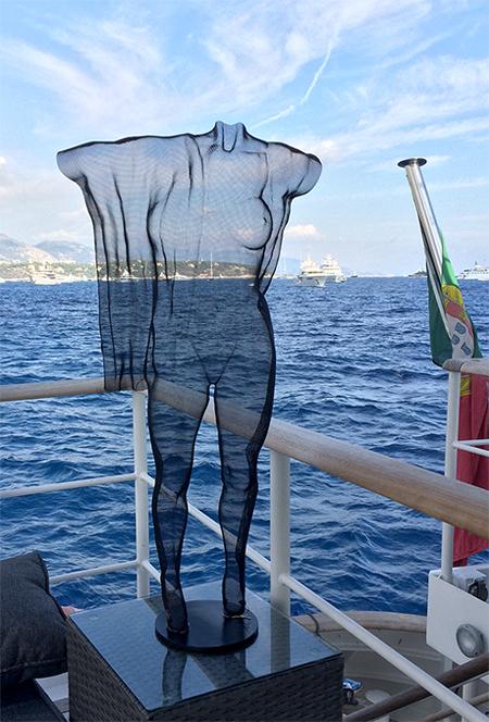 steelmesh-sculpture-with-drape-begbie-2016