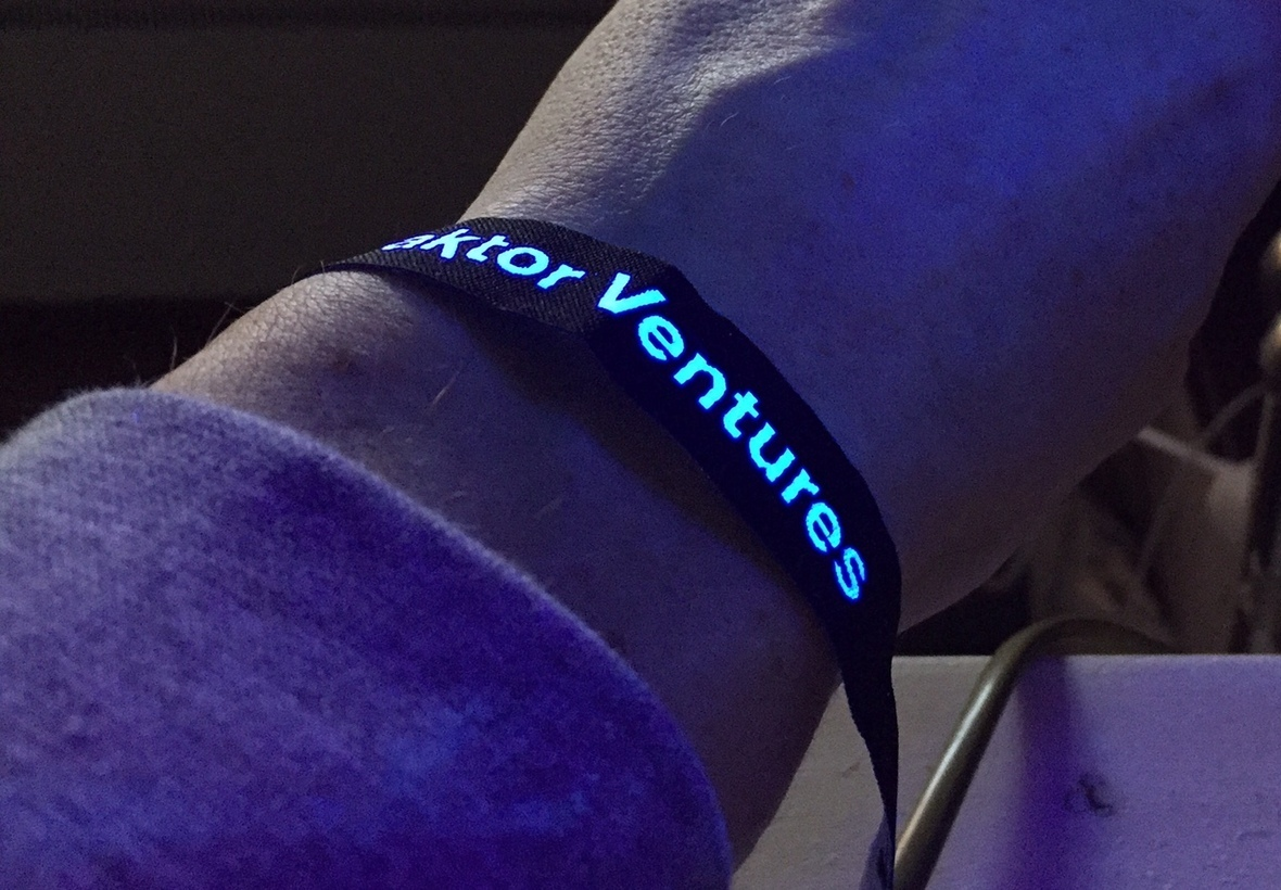 UV wristband