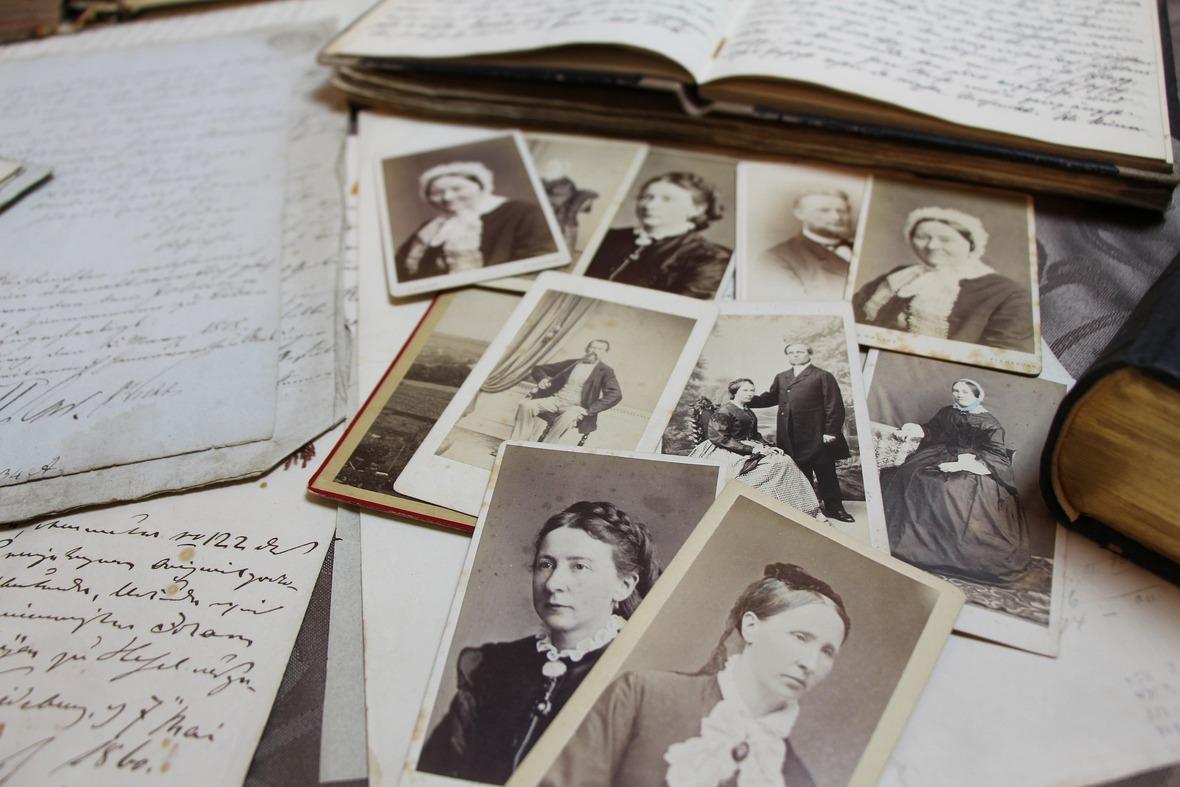 old-photos-1941272 1920