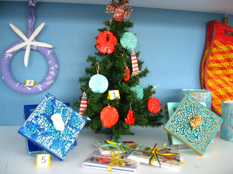 LPIA-Christmas-display-3
