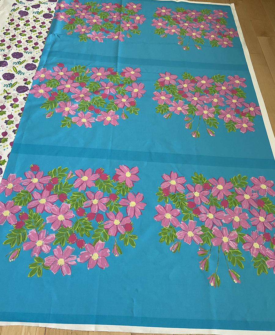 4 roses printed fabric