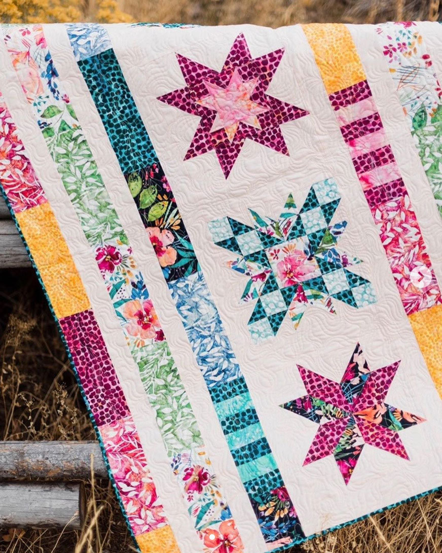 Brightly-Blooming-Fabric-Quilt