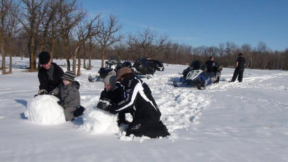 skidoo snow men
