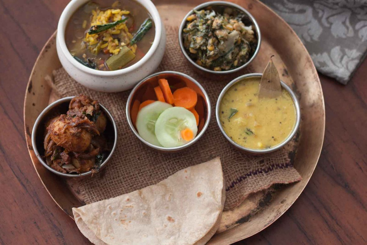 everyday meal plate with tharvani charu urali roast and more-2 & 8 Indian Style Meal Plate Ideas