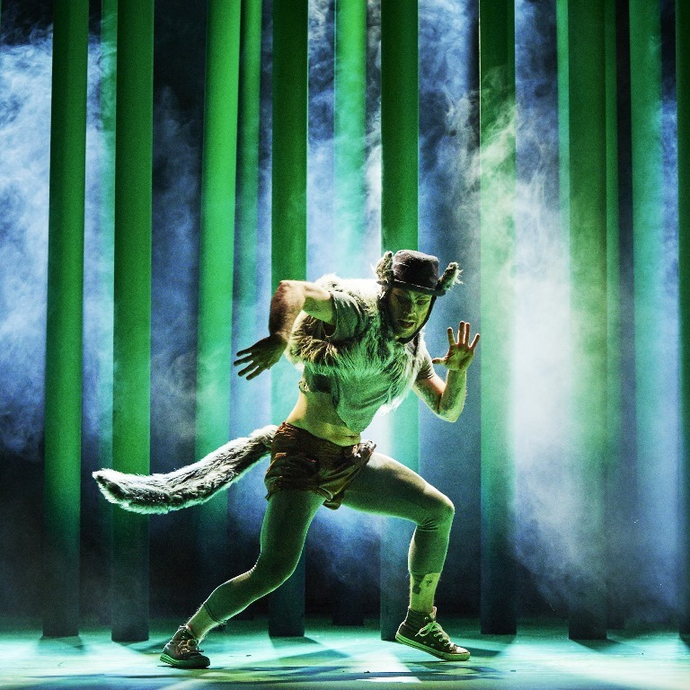 Mateusz Szczerek as The Wolf in CoisCeim Dance Theatre s THE WOLF AND PETER by David Bolger Photo Ros Kavanagh 2