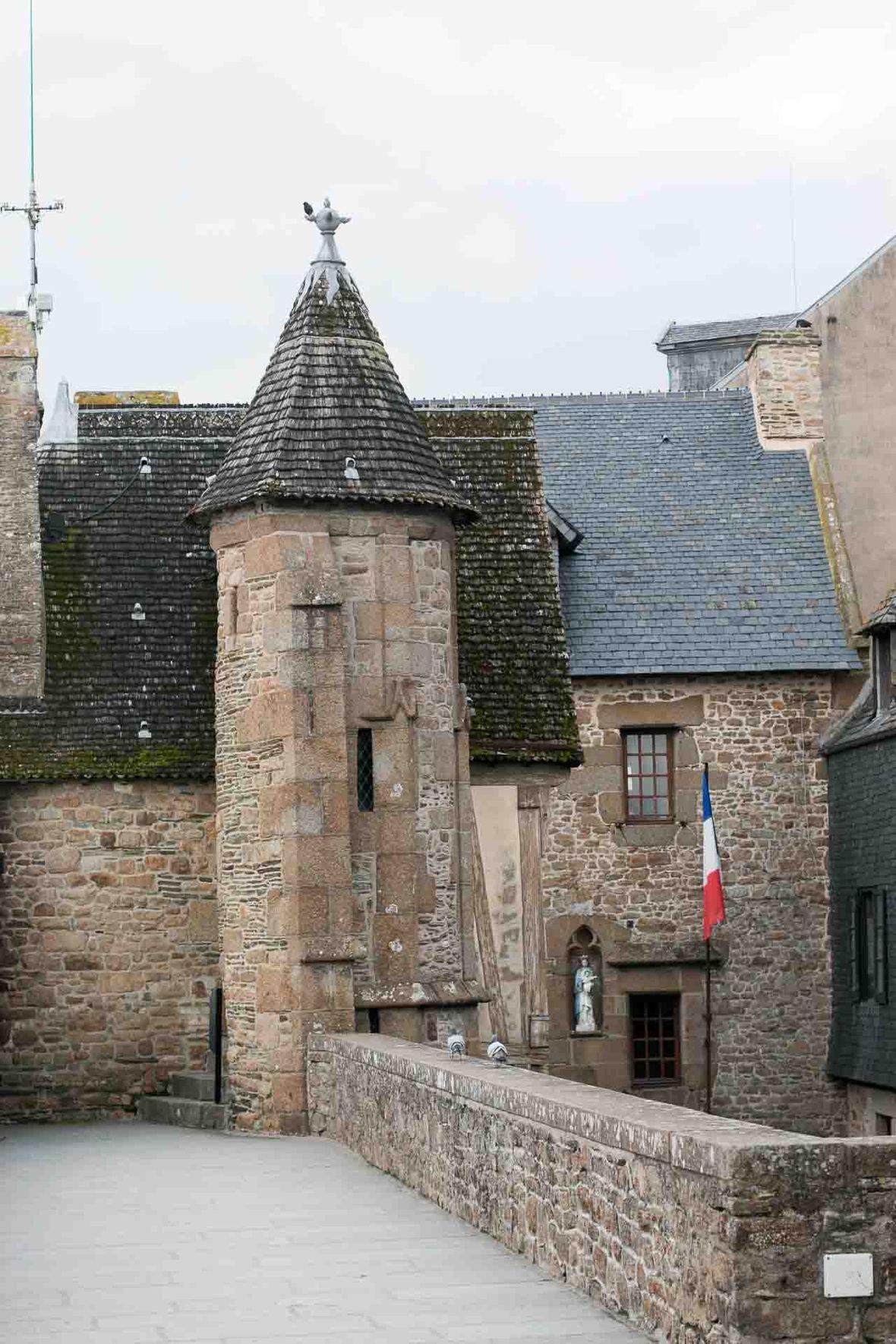 La Mere Poulard Omelet Mont Saint Michel France-2