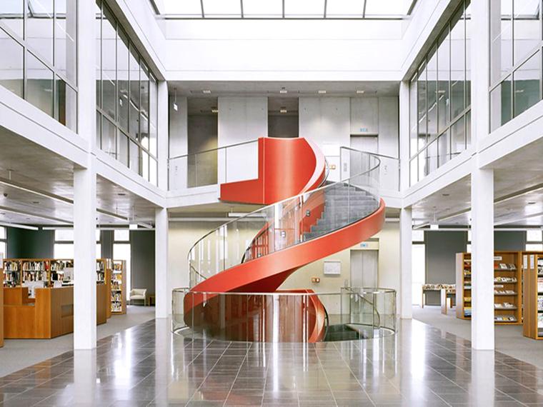 rote Treppe bearbeitet  1024x530