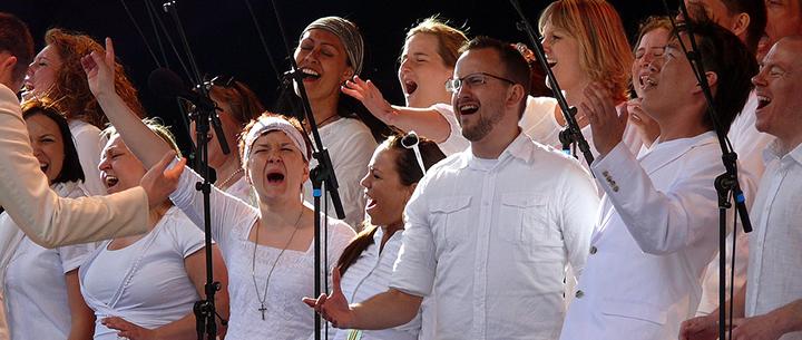 Health-Benefits-Of-Singing copy