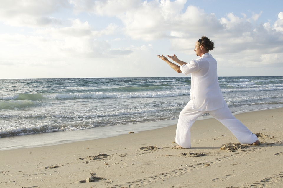 Qi-Gong-Body-Fitness-Meditating-Tai-Qi-Activity-1583805l