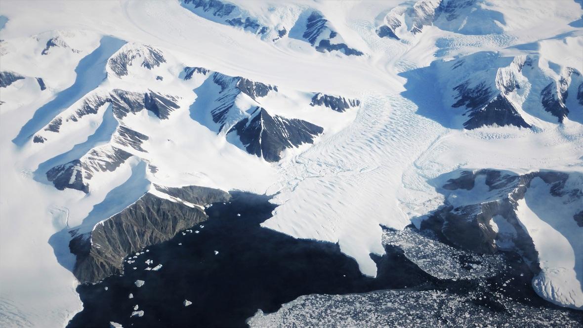 antarctica-flight-2