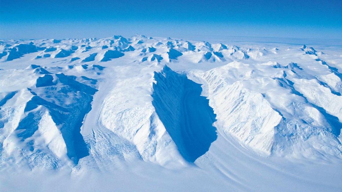 qantas antarctica scenic flights