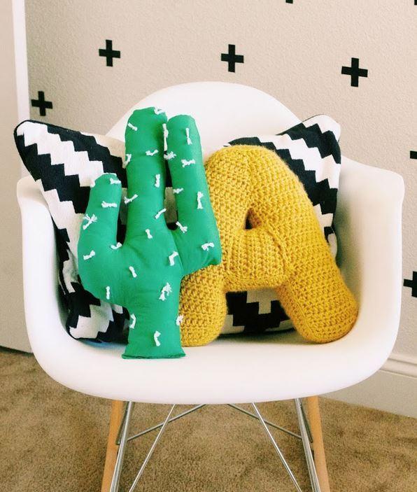 everythingemilyblog-free cactus pillow tutorial