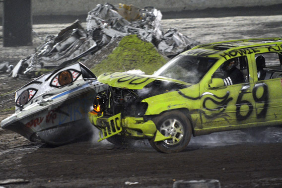 trailer-race-mayhem