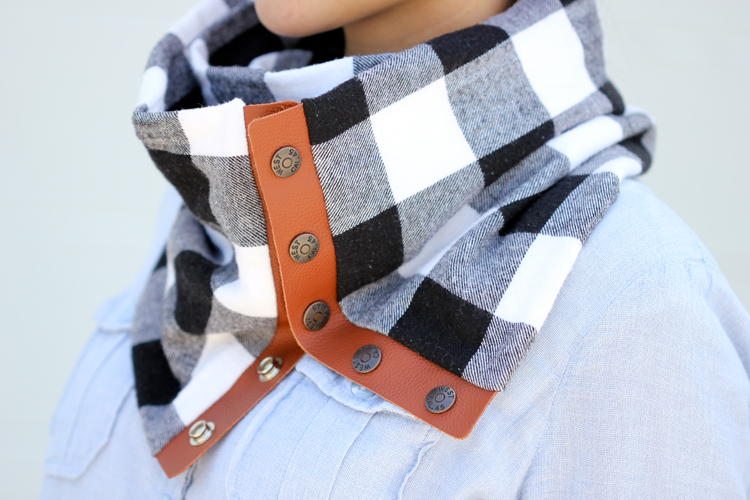 flannel-snap-scarf-sewing-tutorial