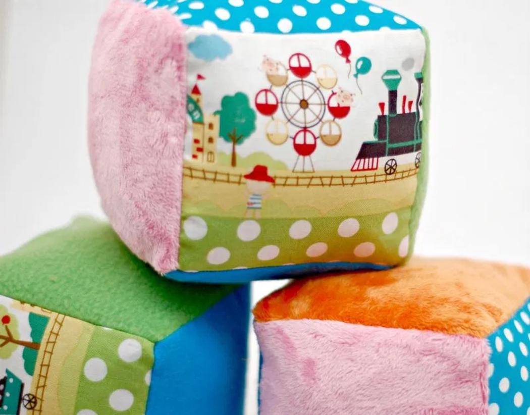 Screenshot 2020-10-20 How to Make Soft Rattle Blocks for Babies Free Pattern - whileshenaps com