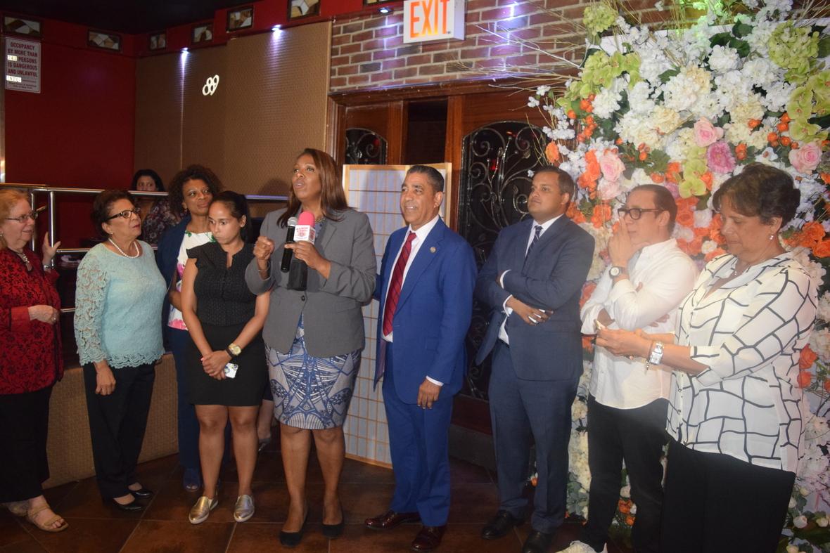 Dominicanos ofrecen respaldo a la defensora pública Leticia James en su reelección