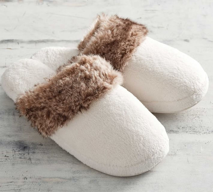 faux-fur-slippers-o