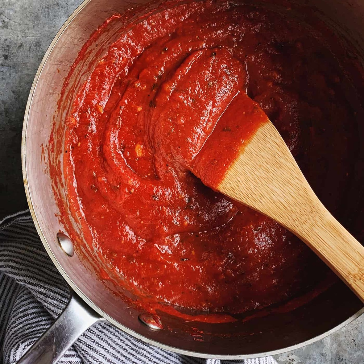 homemade-pizza-sauce AFD-2a s