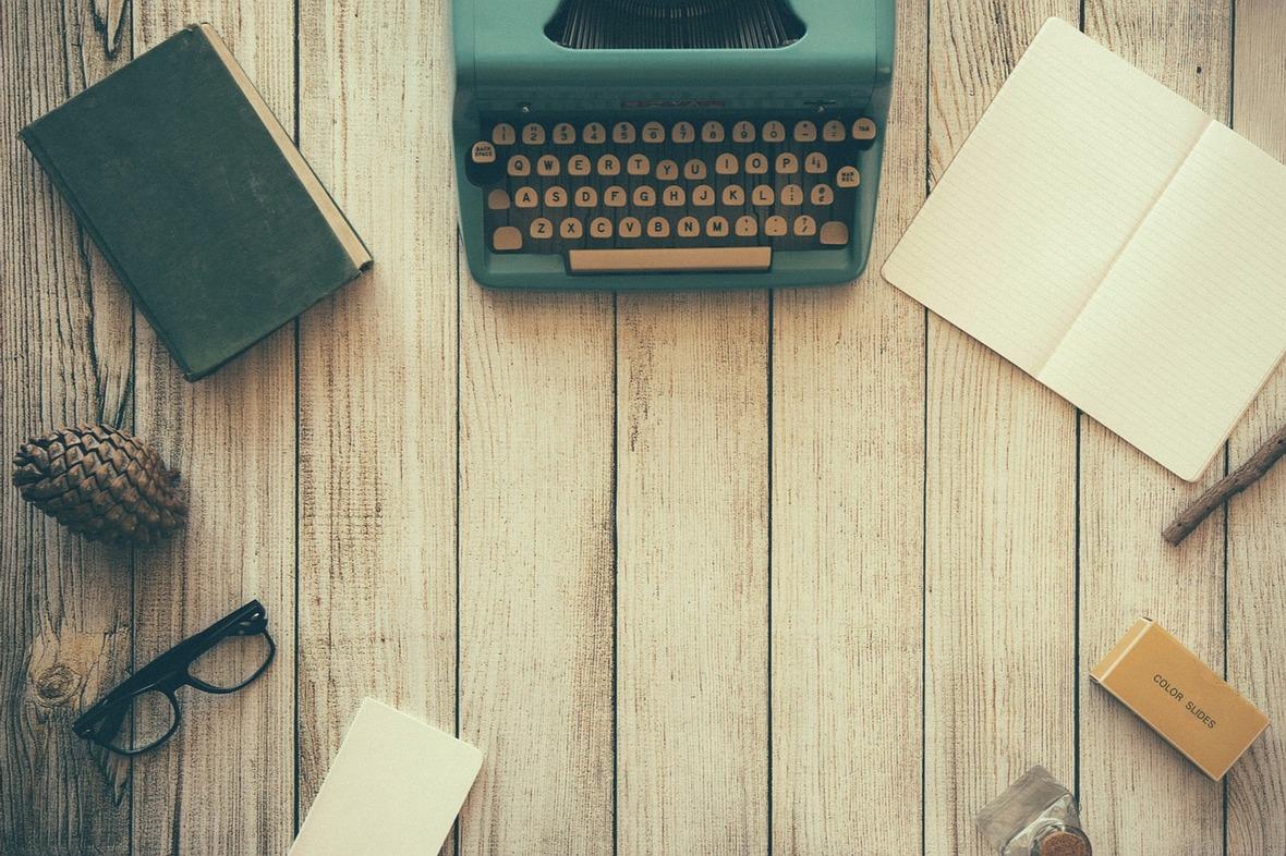 typewriter-801921 12801