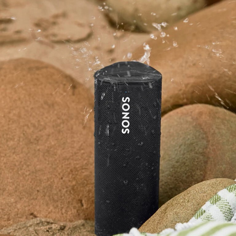 roam-lifestyle-outdoor-waterproof