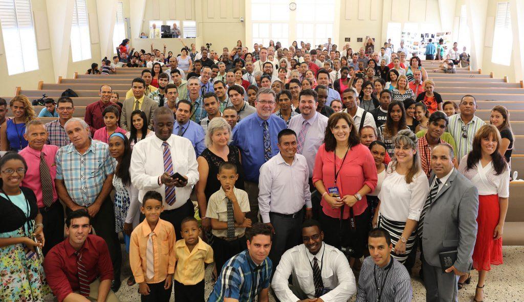 Adventist-photographers-group-Cuba-1024x590