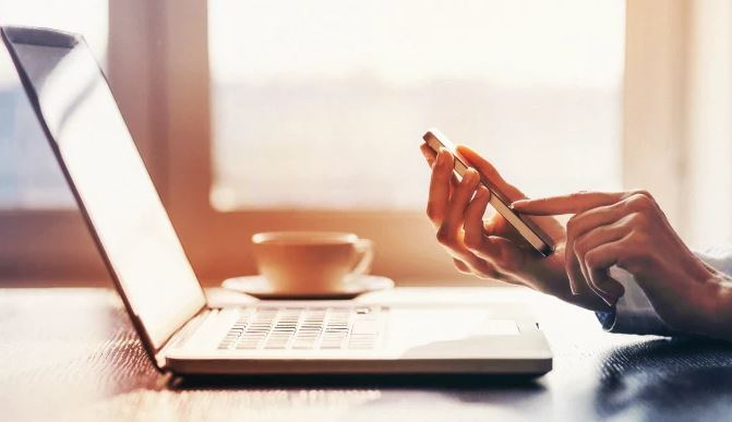 Work laptop ohone