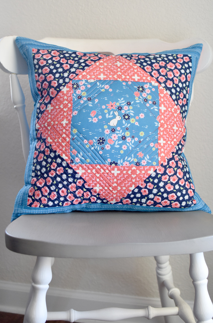 clover and violet- gaint economy block pillow-free quilt block tutorial