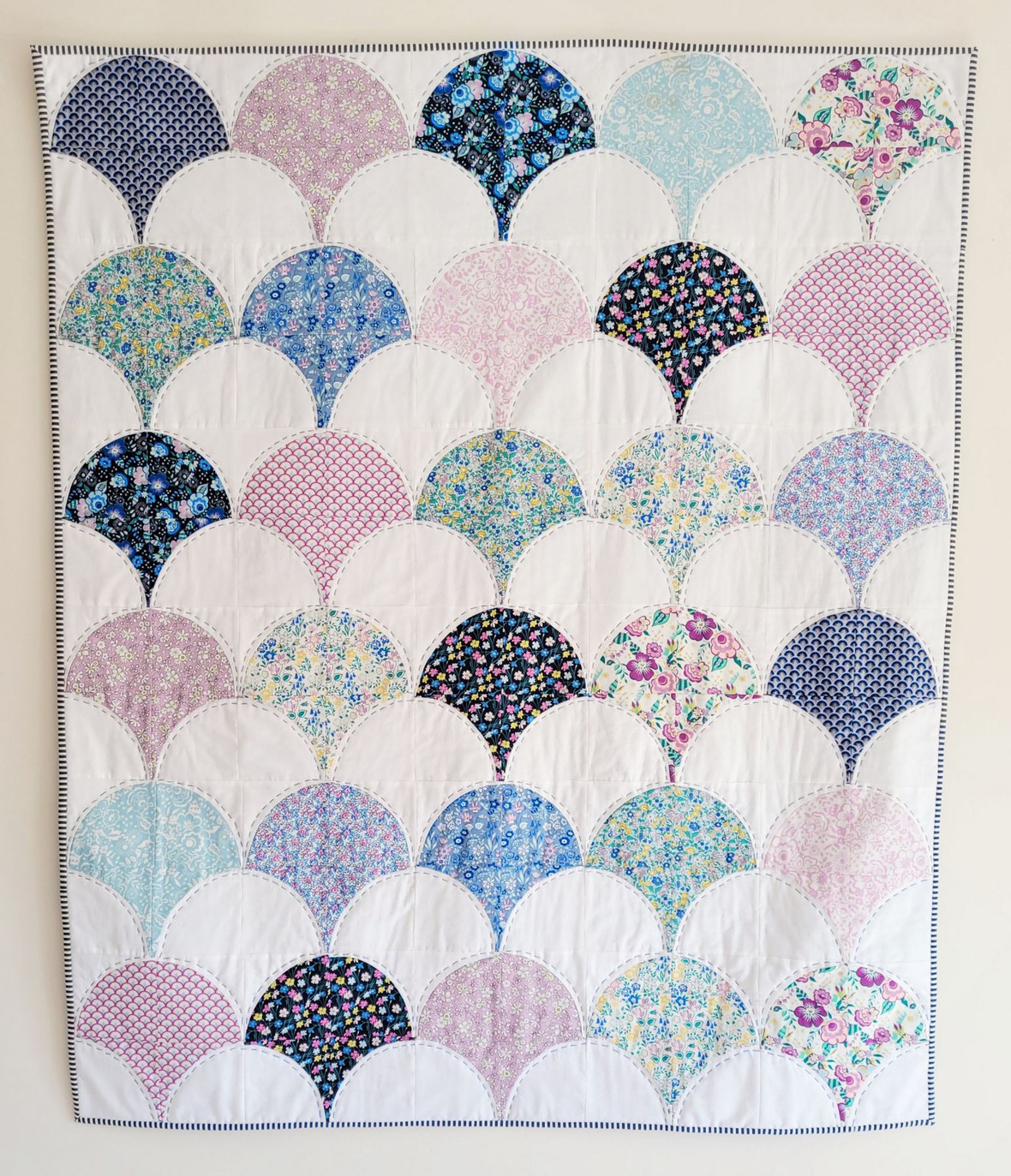 Deco Dance Clam shell quilt