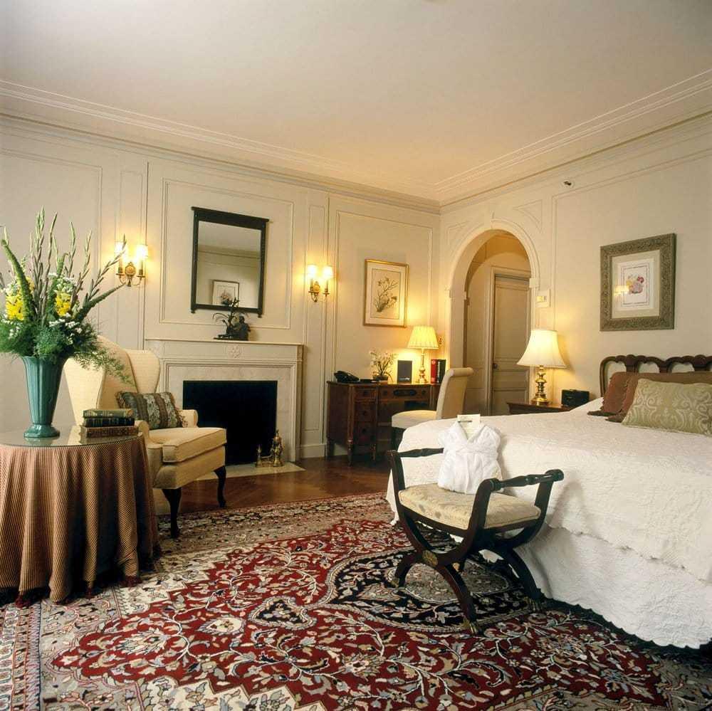 Mansion Guest Room