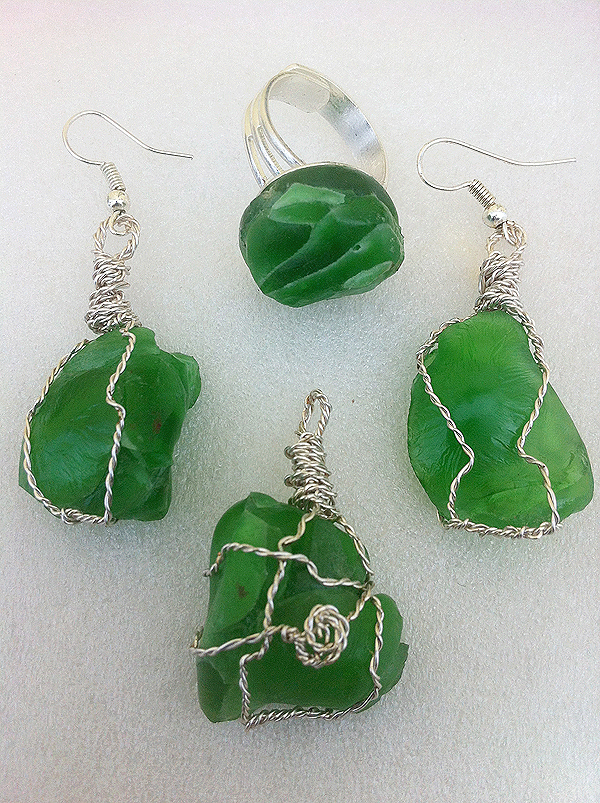 Nouveau-Glass-pendants-green