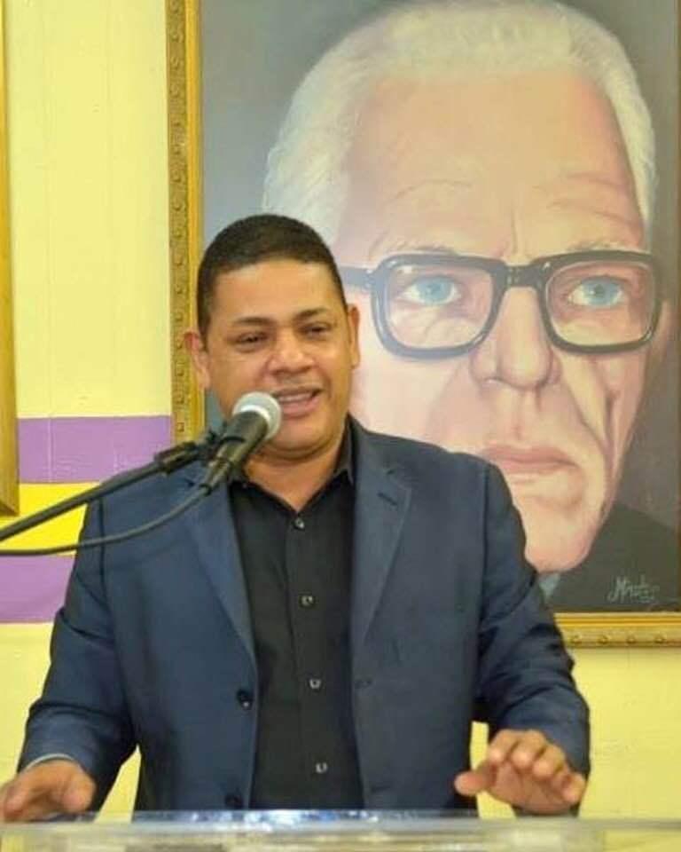 Dirigente Carlos Feliz desmiente que existan dos fiestas de Navidad en el PLD en New York