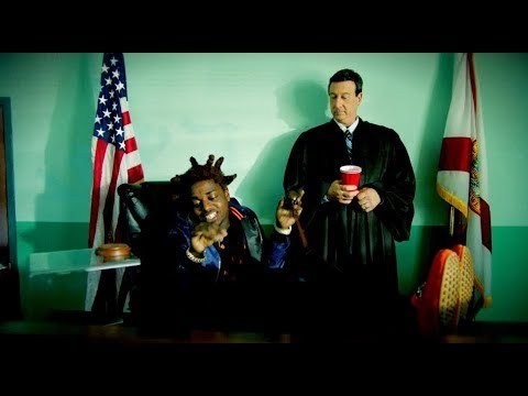 Kodak-Black-Roll-In-Peace-feat.-XXXTentacion-Official-Music-Video 1