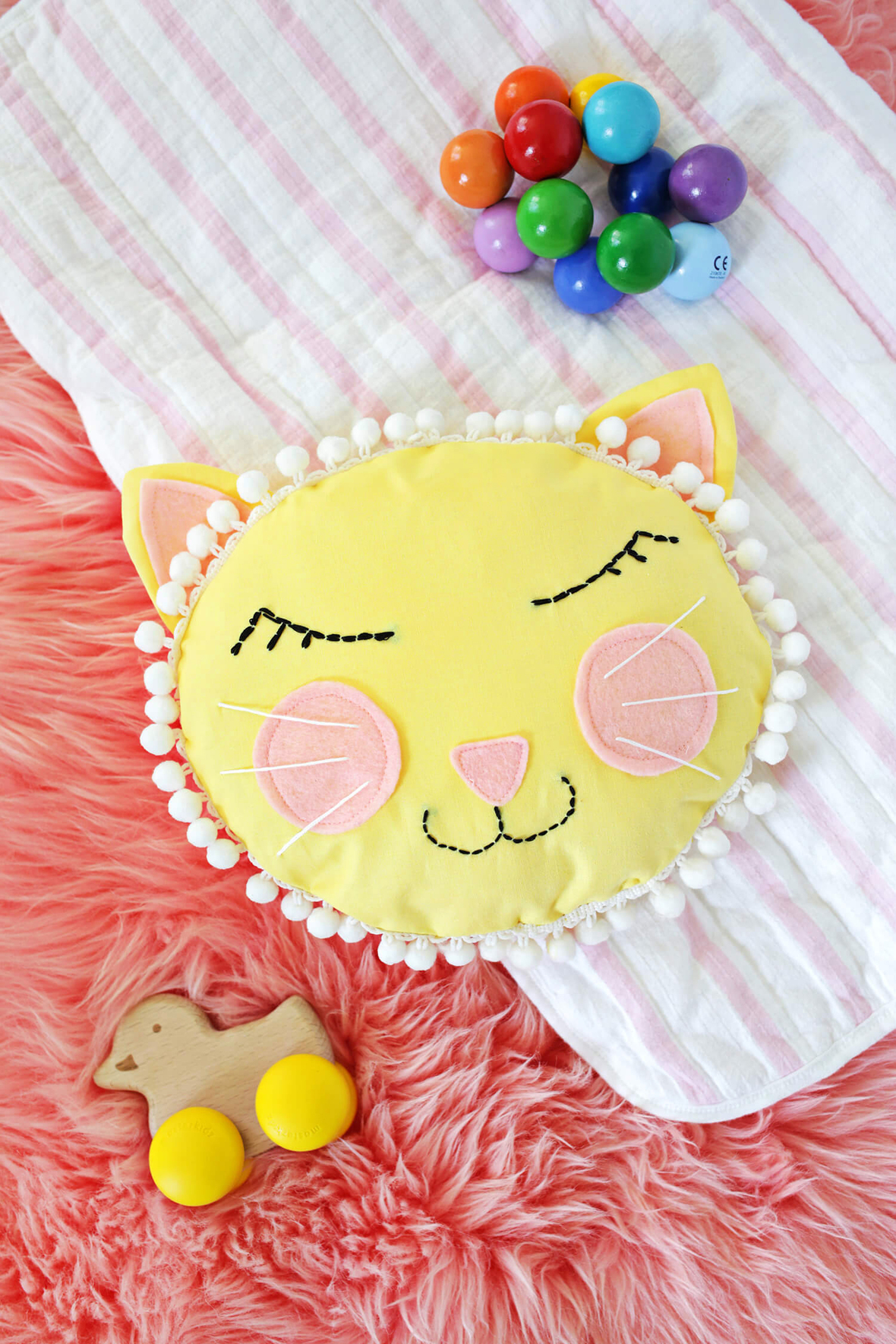 A beautiful mess- cat face pillow sewing tutorial