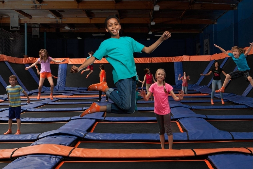 20151104191415-sky-zone-kids-on-trampolines-fun-kid-birthday
