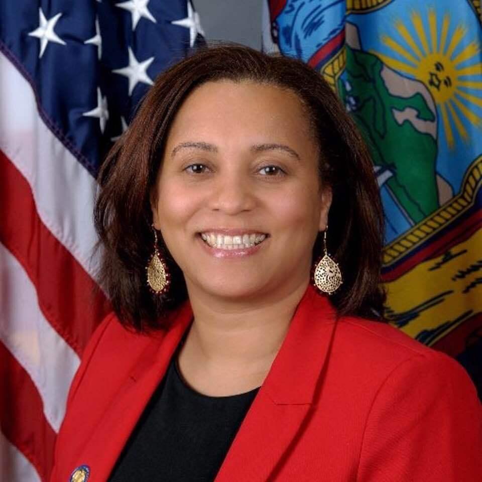 La Ley de equidad WIC de la senadora estatal Marisol Alcántara es aprobada por el Comité de salud del Senado estatal