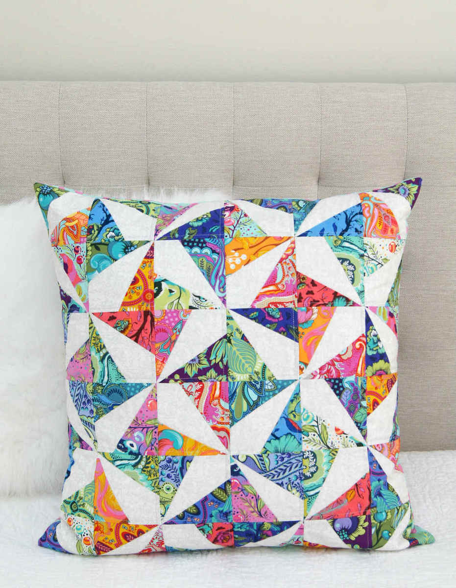 Confetti Cushion small  28144.1513637723.1000.1200