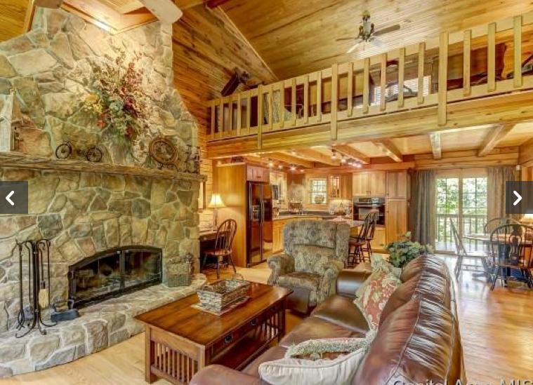 Flatt.LvgRm.Fireplace.Loft