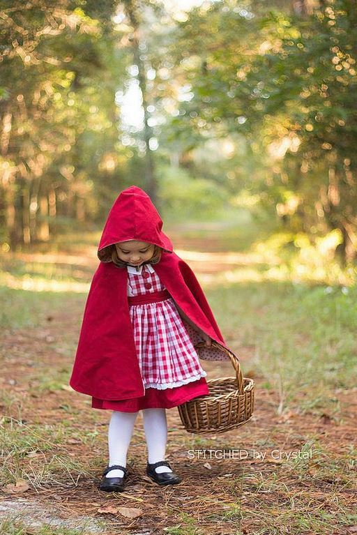 stitchedbycrystal- red cape tutorial