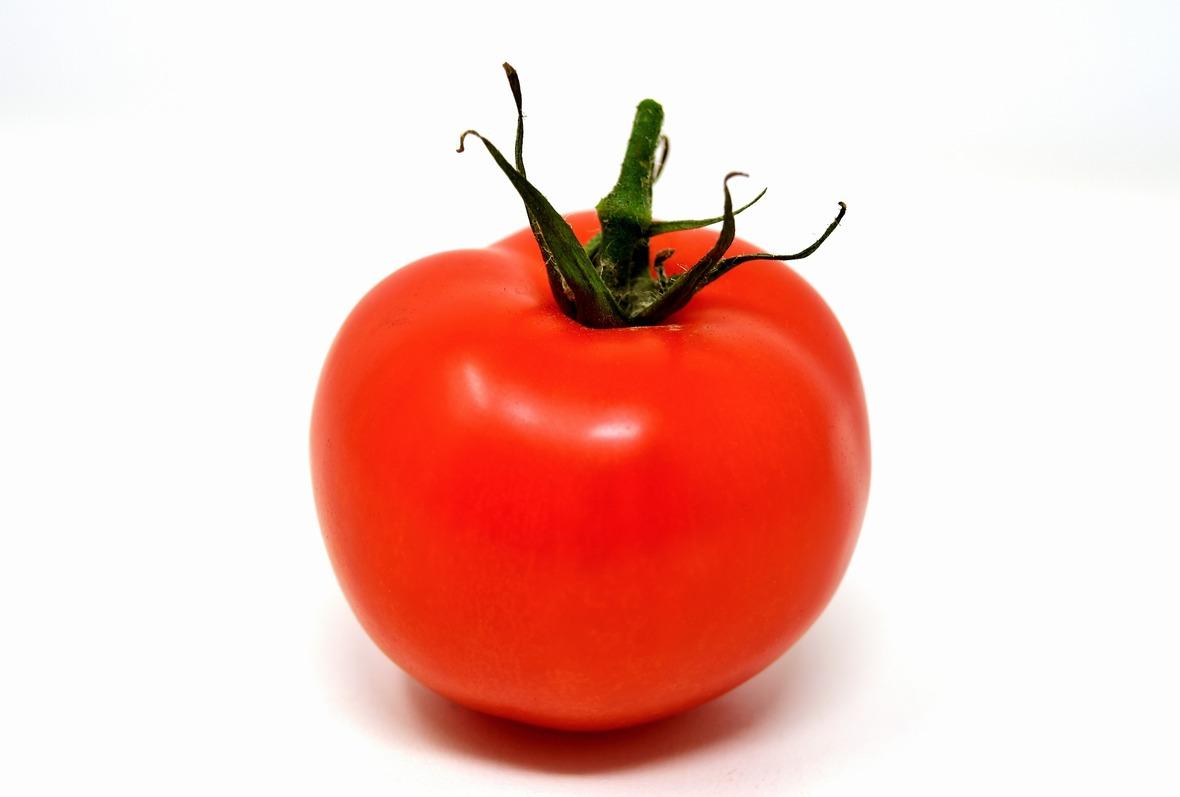 tomatoes-3170963 1920