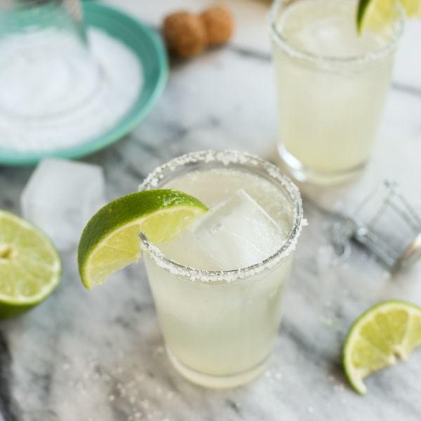 Prosecco-Margaritas-big-batch-cocktail AFarmgirlsDabbles tsfg-5