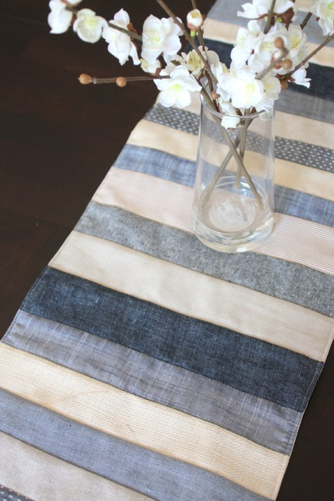 diaryofaquilter- denim   linens and chambrays table runner tutorial