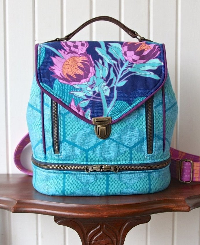 Blue Calla- the Clover Convertible  Bag 2
