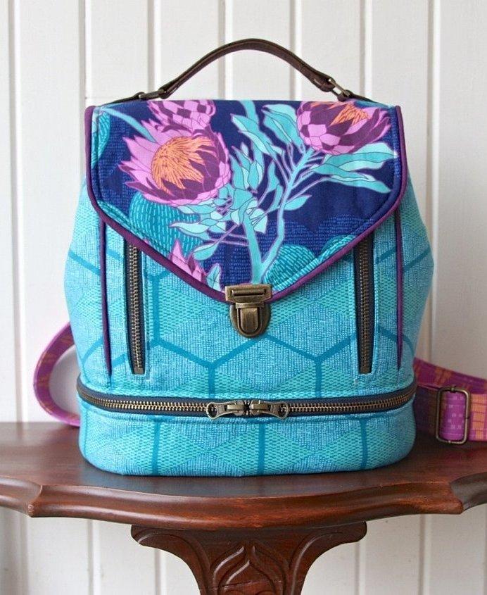 Blue Calla- the Clover Convertible  Bag 2