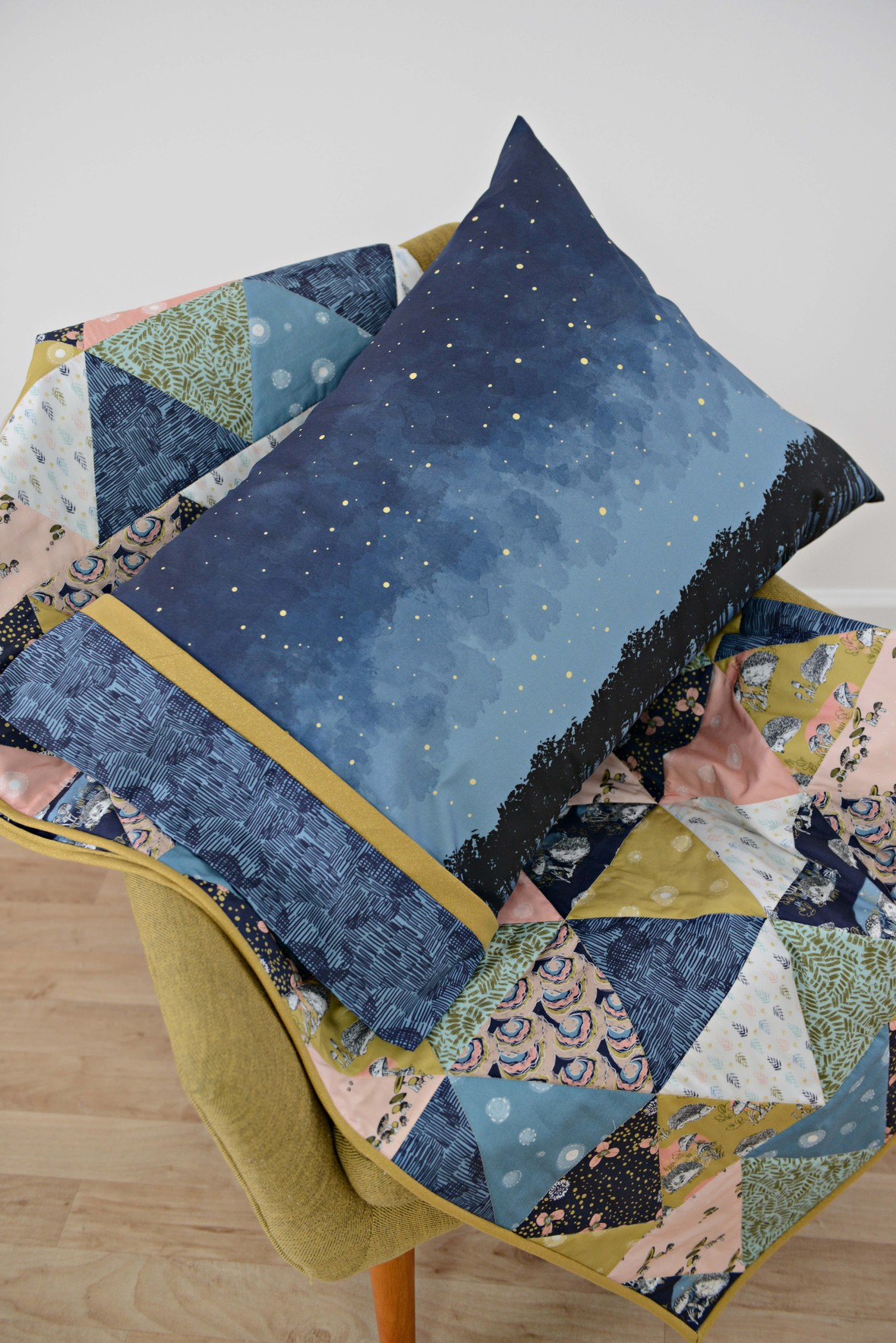 Hedgerow Fabric Quilt and Pillow