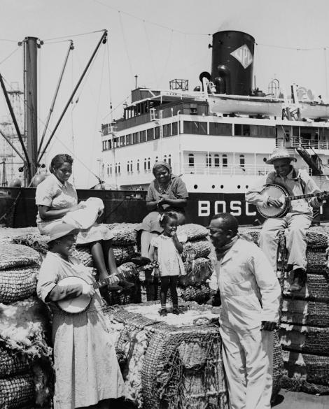 NatGeo-1941-cotton-workers